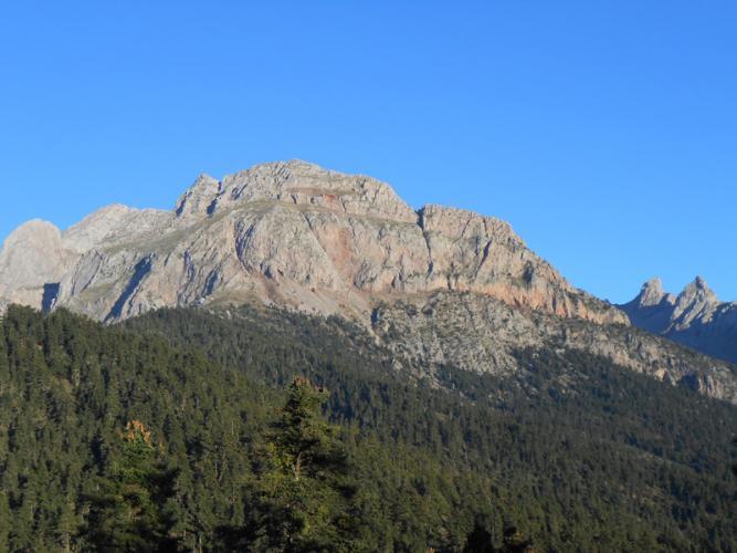 Οι ψηλές κορφές από το τέλος της διαδρομής