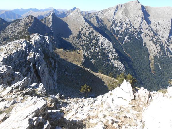 Θέα από την κορυφή προς Καλλιφώνι - Δόντι